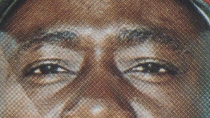 Eyes of Hank Aaron on 1966 Topps