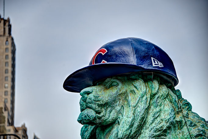 Chicago Cubs hat on Art Institute lion for 2016 World Series (#1