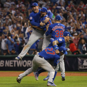 Rizzo and Bryant celebrate 2016 World Series championship (Brian Cassella / Chicago Tribune)