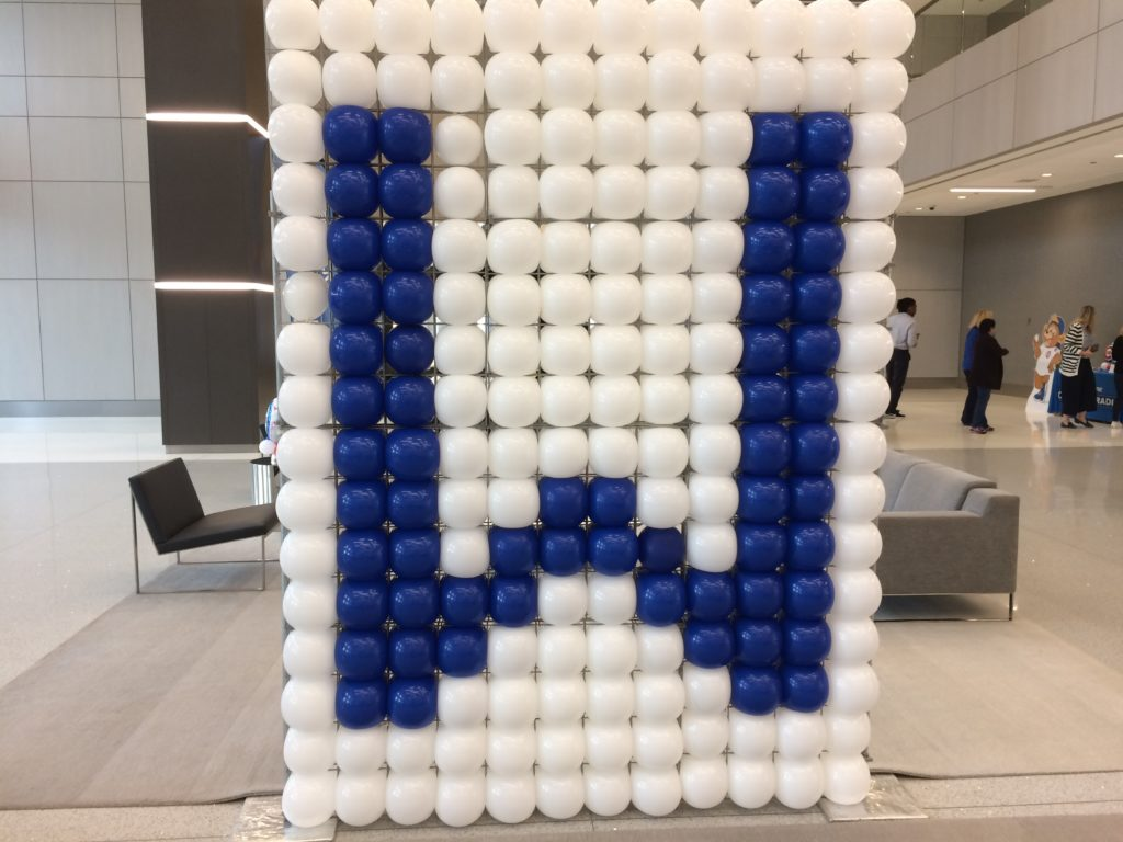 Letter W for Win, balloon installation