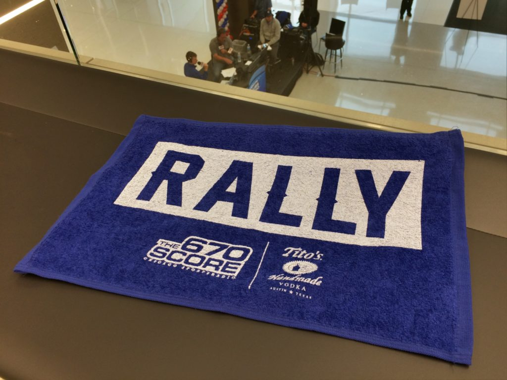 Cubs rally towel